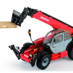 manitou with shovel
