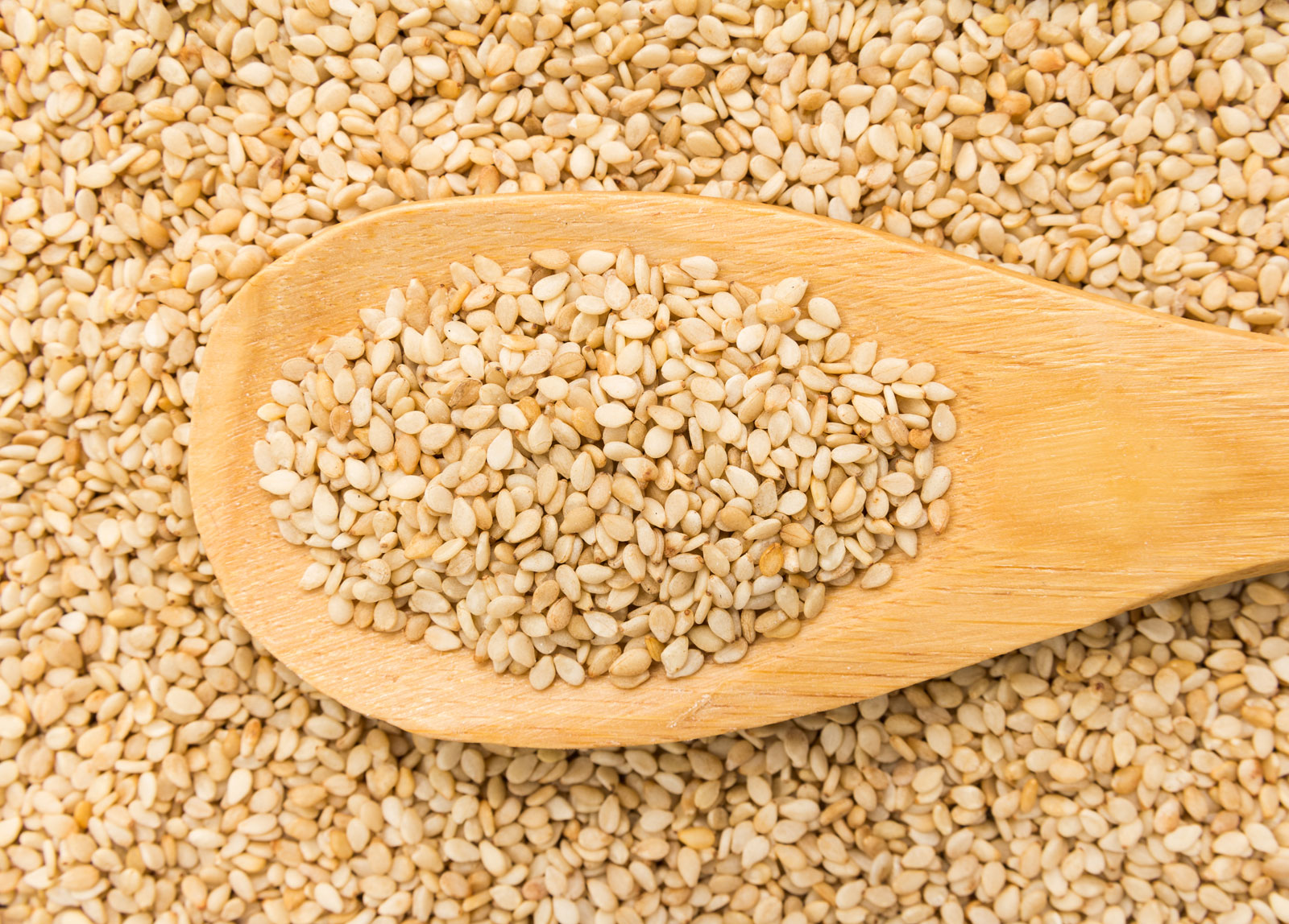 sesame-seeds-wooden-spoon